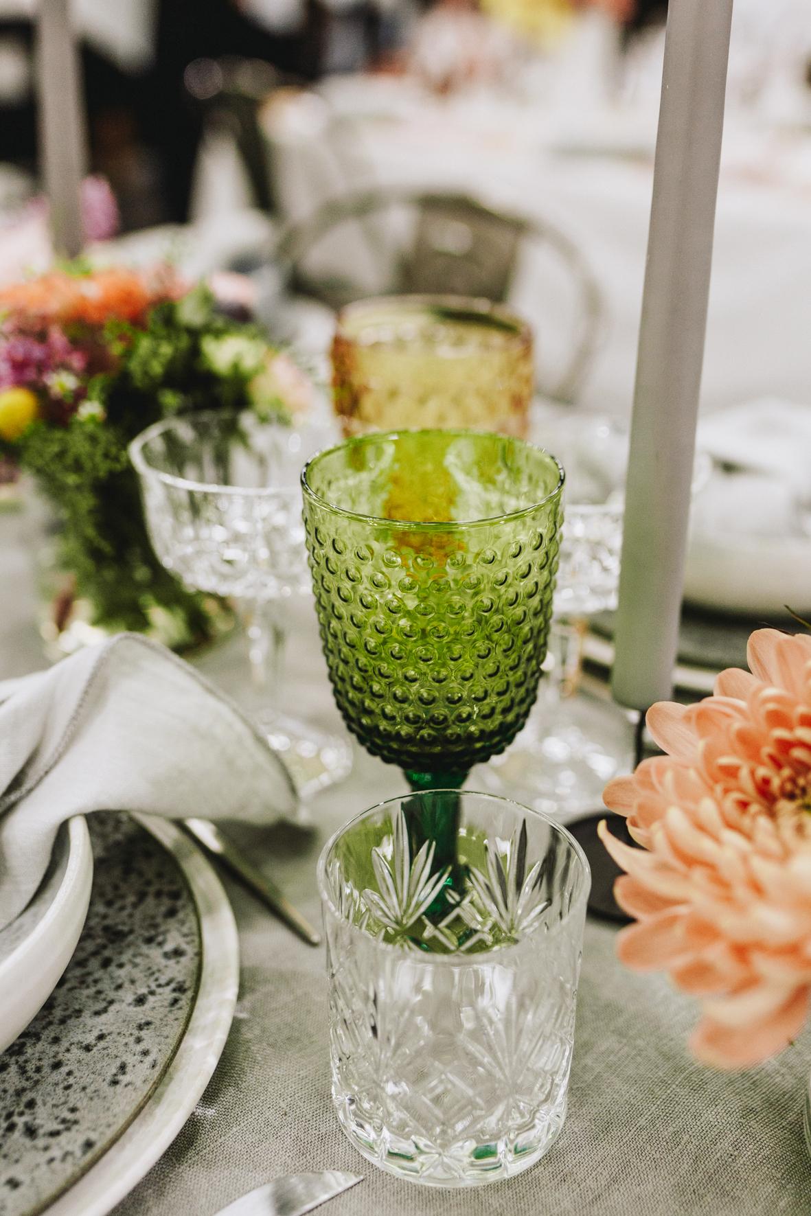 Bryllupsmesse_serviceudlejning København_udlejning af Farvede glas_A table story