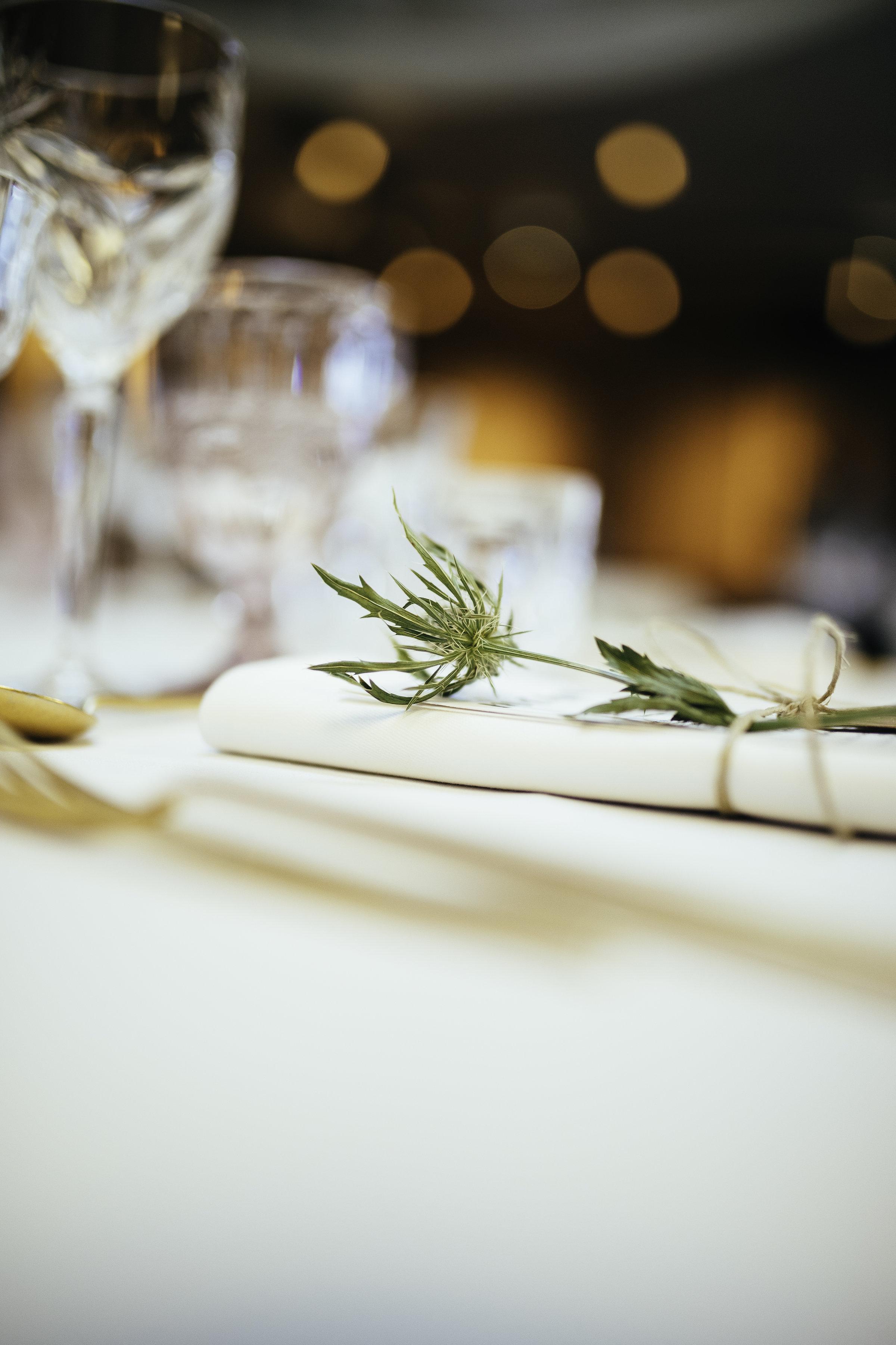 A table story_Serviceudlejning København_Leje af service_Leje af guldbestik