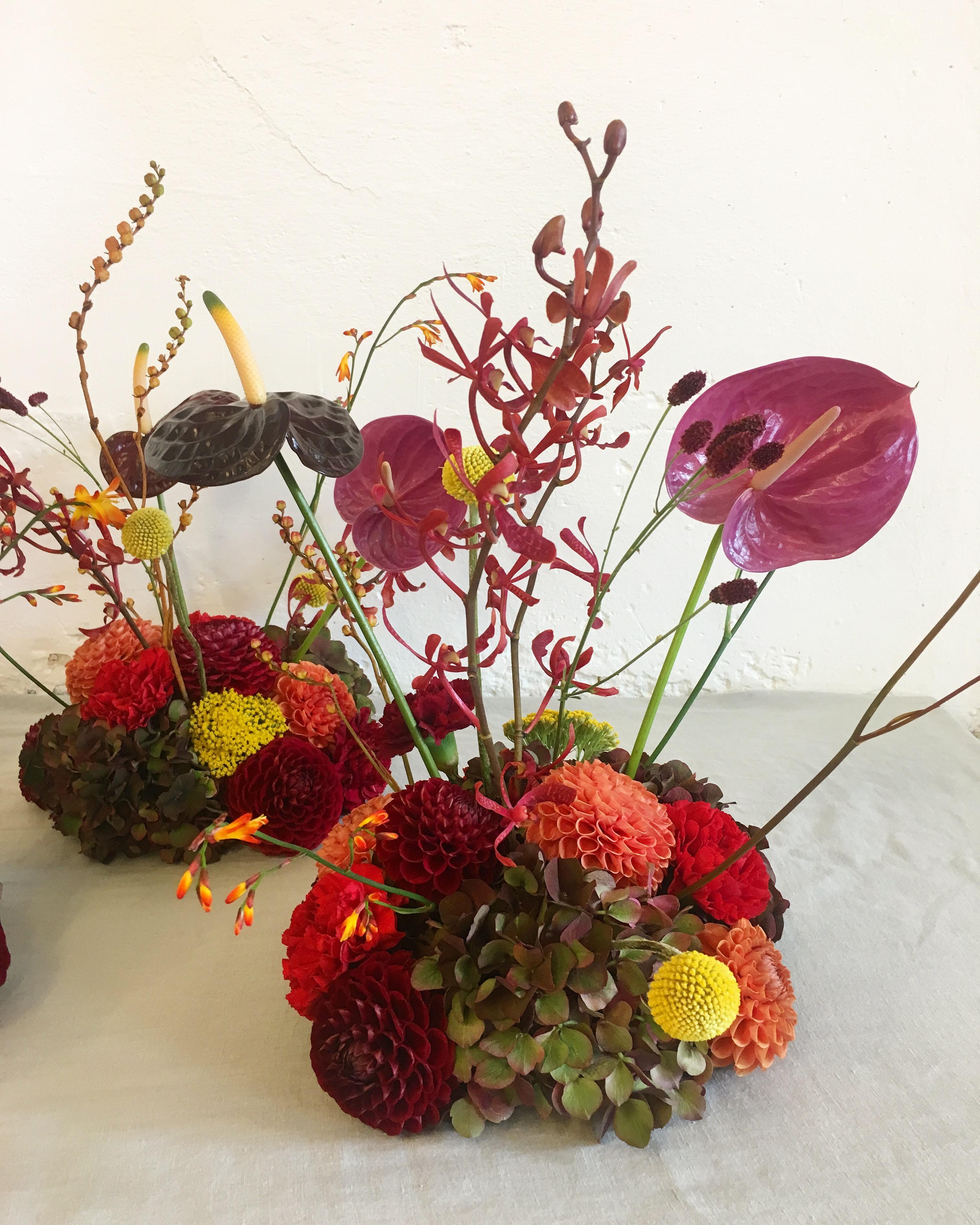 A table story blomster til bordet bryllupsblomster