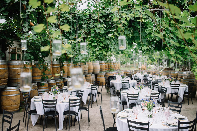 7f8a4eb9 Kærlighed under vinranker - A Table Story