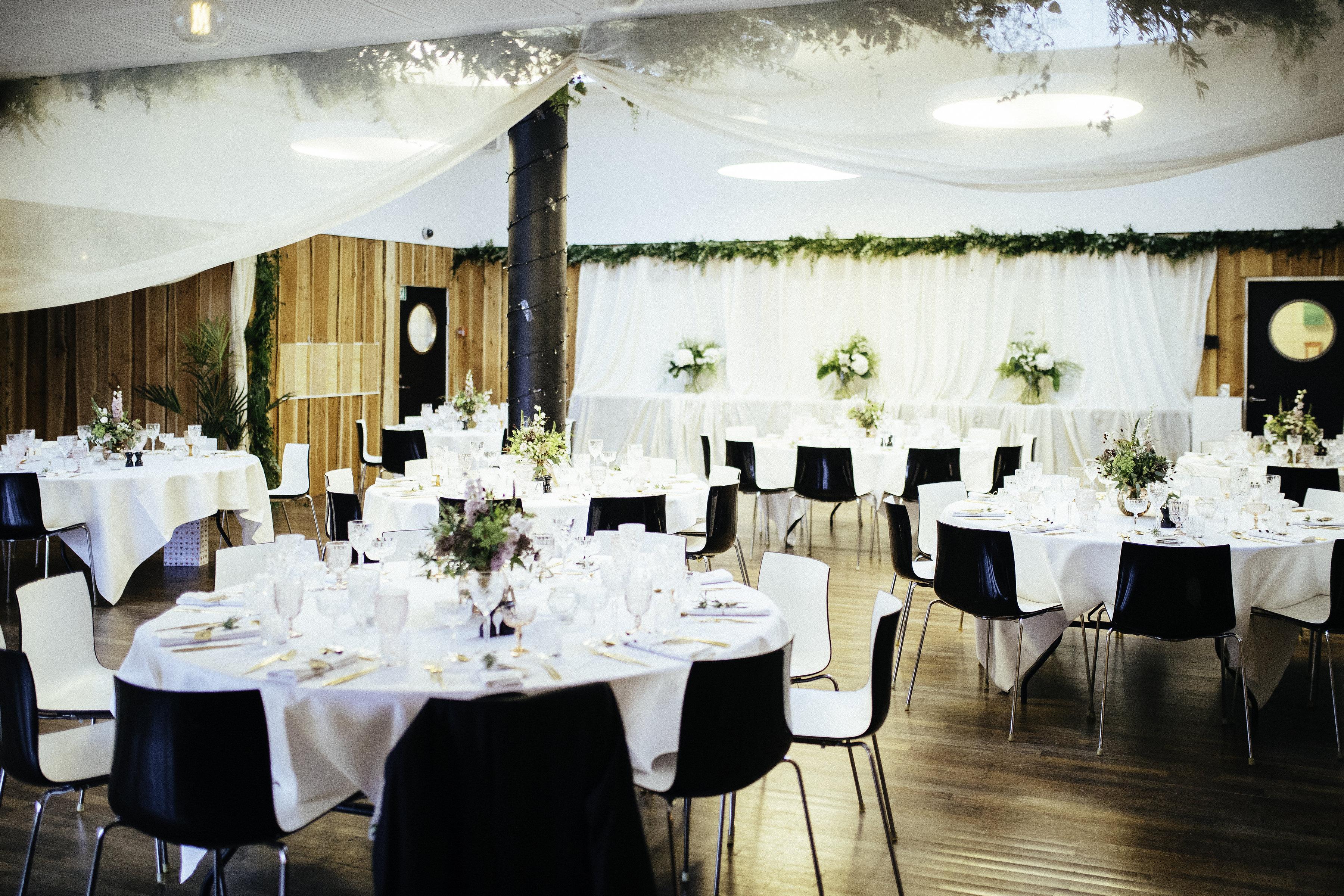 A table story_Serviceudlejning København_Leje af service_Leje af guldbestik_Soho kontorhotel