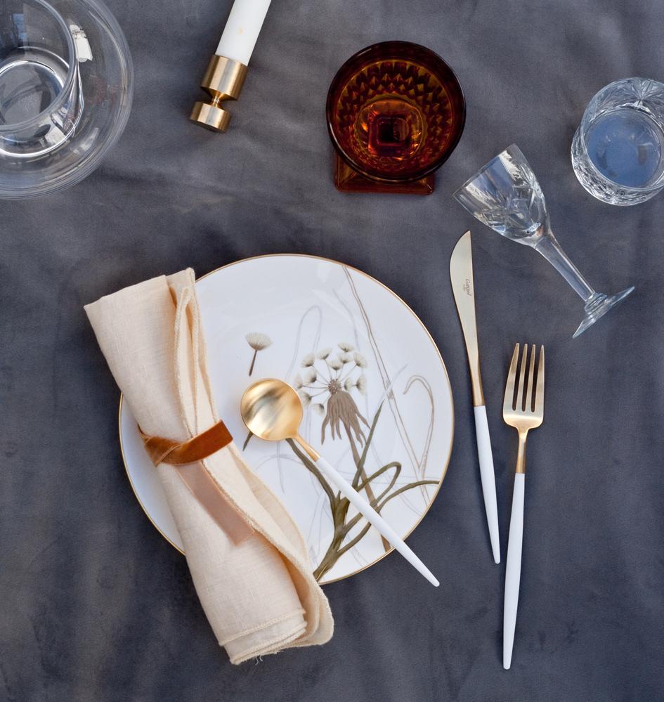 A table story_påskebord_leje af service_påskeblomster (19 of 19)