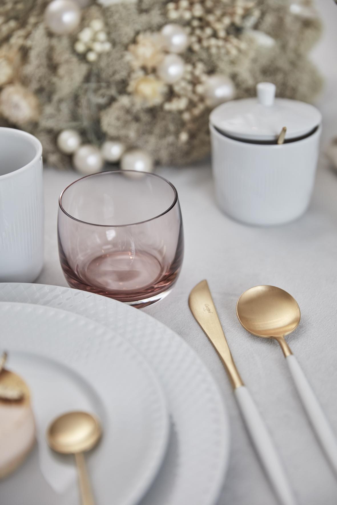 A table story_julebord_borddækning_bordopdækning_Eksklusiv serviceudlejning