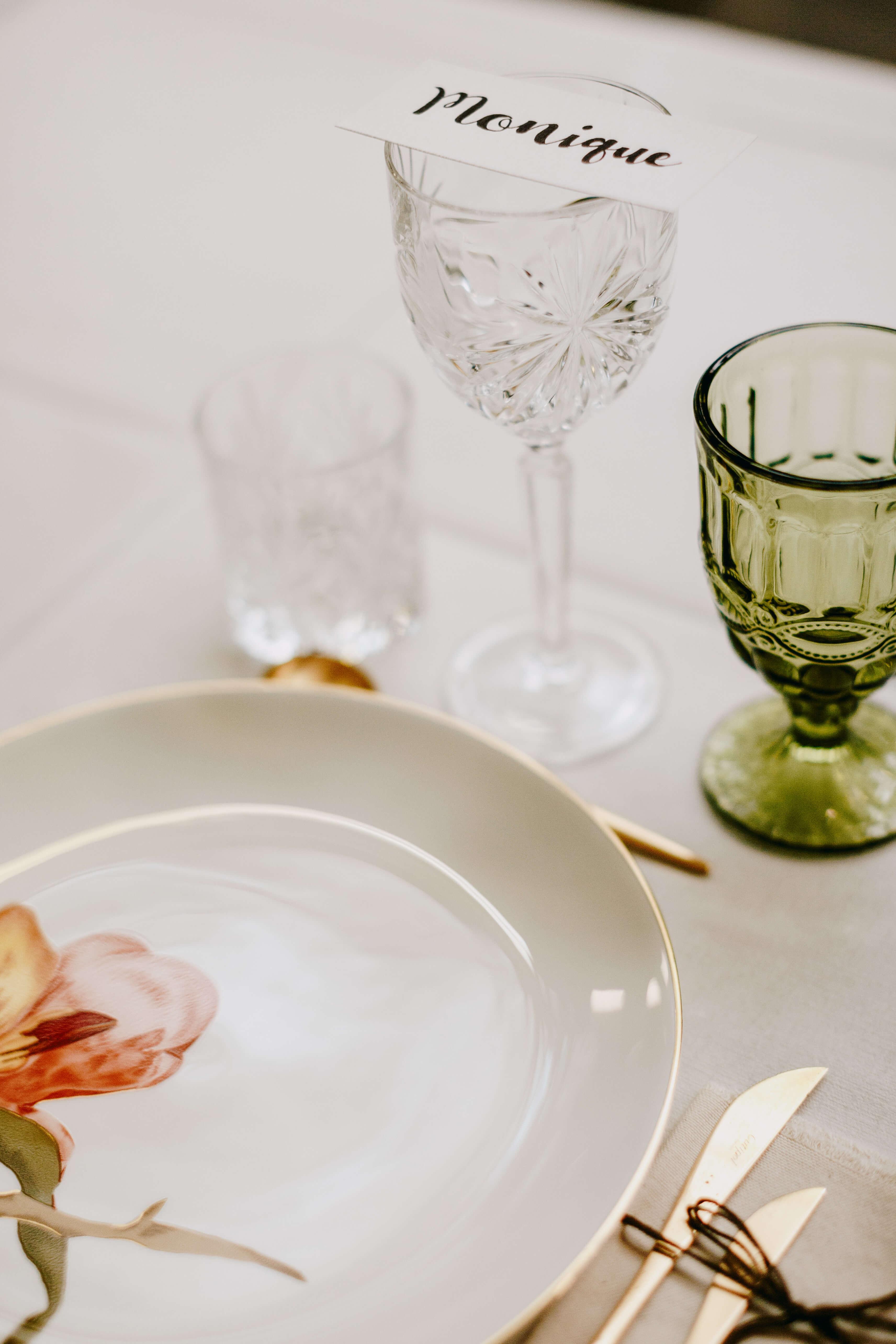 A table story_Eksklusiv serviceudlejning_Leje af service_Leje af guldbestik_københavn_Pladeværkstedet