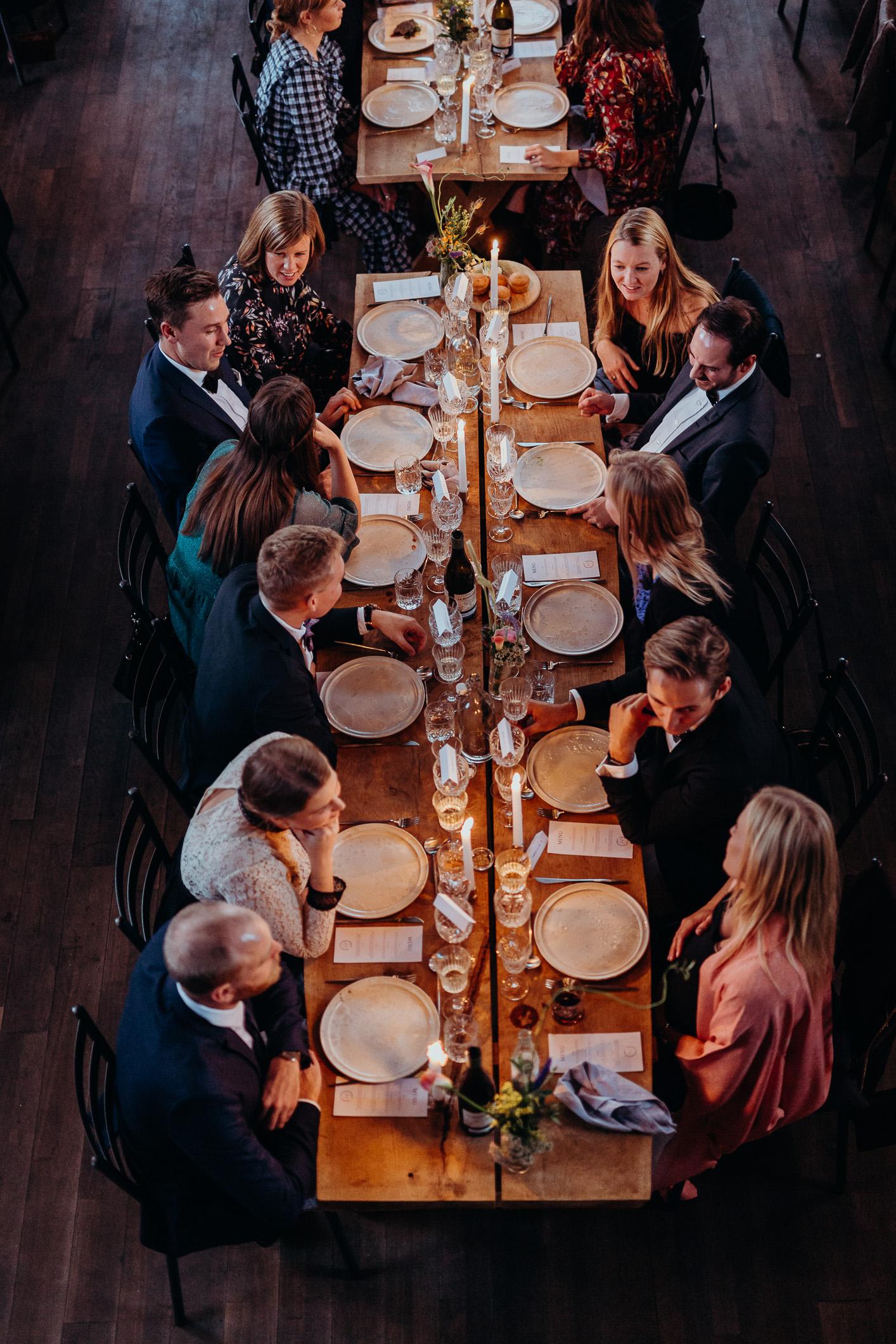 A table story_bryllupsbord_langsbord_poppy kalas_gasop