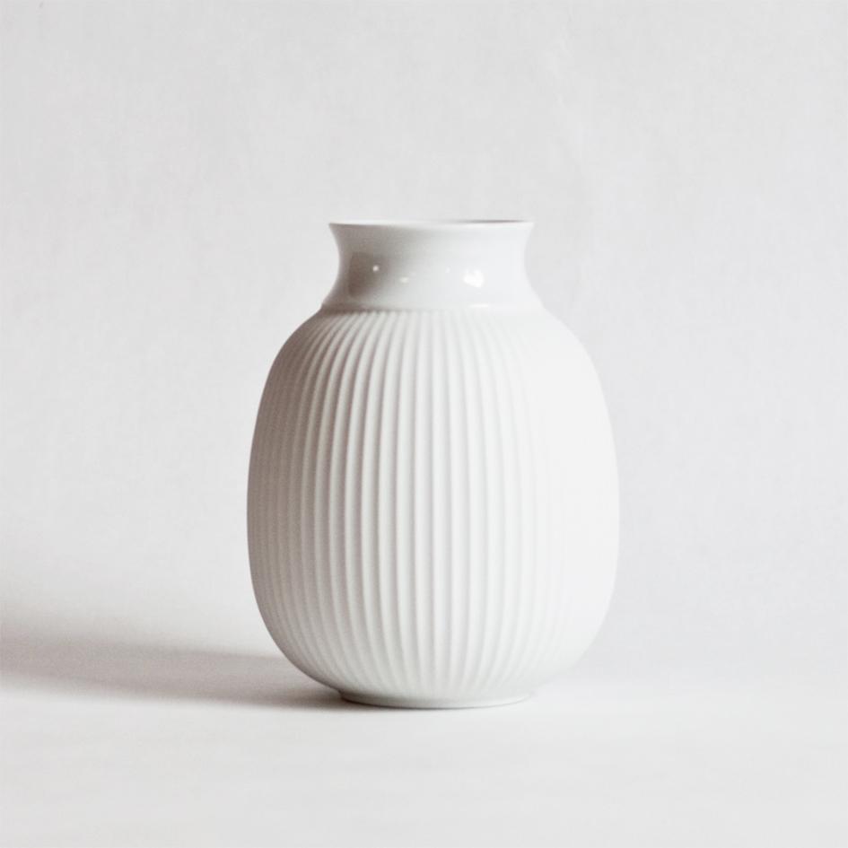lej curve vase lyngby porcelæn hos a table story3