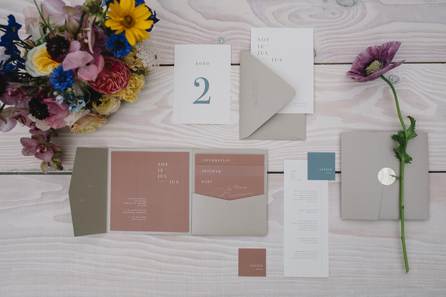 A table story_Moderne og farverigt_Bryllupsbord