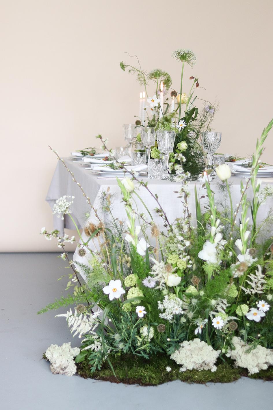 Vild og poetisk opdækning A table story